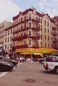 Chinatown, New York | Through the crush and crowds of New York's Chinatown, down a back alley, sits this storied vintage dim sum parlour, barely changed since its opening in 1920. - The Travelling Light