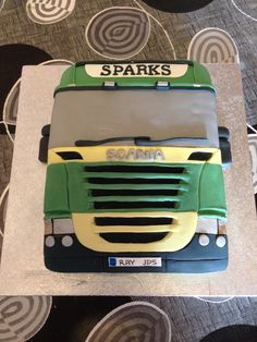 Scania truck cake You are in the right place about birthday cake Here we offer you the most beautiful pictures about the birthday cake kids you are looking for. When you examine the Scania truck Birthday Cakes For Men, Birthday Cake For Husband, Homemade Birthday Cakes, 17th Birthday, Cake Birthday, Cake For Boyfriend, Dad Cake, Truck Cakes, Monster Truck Birthday