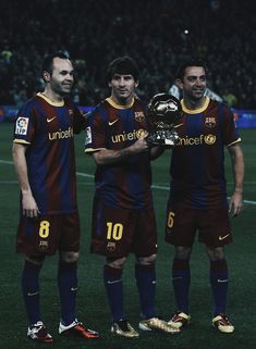 Fc Barcelona Players, Barcelona Football, Best Football Players, Soccer Players, Xavi Iniesta, Messi Fans, Messi 10, Fc Barcelona Wallpapers, Soccer Backgrounds