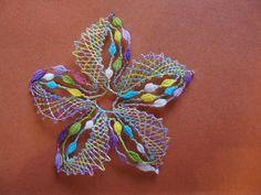 PREMIER JOUR DE STAGE Pin Weaving, Bobbin Lacemaking, Lace Heart, Lace Jewelry, Needle Lace, Lace Making, Lace Patterns, Form, Lace Detail