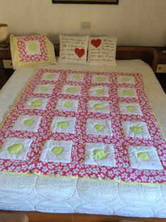 Trapunta lettino più cuscino lavorazione patchwork e applicazioni.ok