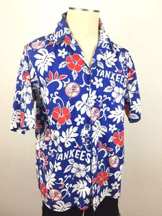 9a05dd75 Reyn Spooner Yankees Hawaiian Shirt Red White Blue Hibiscus Floral MLB Size  M