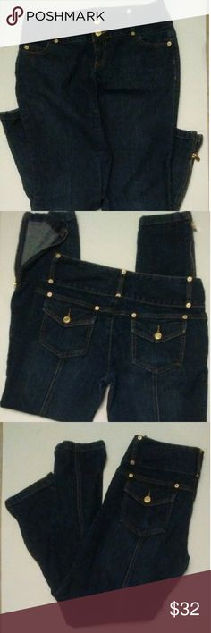 """Michael Kors Skinny Jeans with Ankle Zippers EUC. Wide waist with double buttons. Side ankle zippers. Flap back pockets with seam stitching in the middle of back leg. Very nice looking pair of jeans! Inseam 27"""" Michael Kors Jeans"""