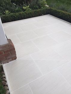 Sandy White Porcelain Paving