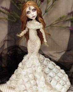 Ooak Dolls, Art Dolls, Monster High Custom, Monster High Dolls, Disney Princess, Disney Characters, Artist, Instagram, Sleeve