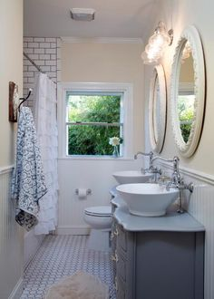 From hgtv 39 s flip or flop love the large tile in the for Joanna gaines bathroom renovations