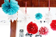Graduation is an important time for students as they set off to start the next chapter. Check out these creative and achievable graduation decor ideas to make your graduation party extra special. Graduation Cake Pops, Graduation Desserts, Graduation Party Foods, Graduation Decorations, School Decorations, Grad Parties, First Birthday Parties, Graduation Ideas, 2nd Birthday