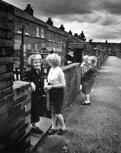 Women during the miners' strike, Fitzwilliam, Yorkshire, June 1984  - stock photo