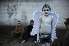 Durante la celebración del Día de los Muertos, los residentes de Tonacatepeque, originalmente una comunidad indígena, de El Salvador. (AFP)