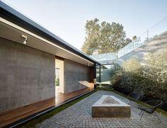 grande maison contemporaine semi enterre avec toiture vgtalise construire tendance - Maison Moderne Avectoiture