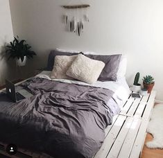 'Minimal Interior Design Inspiration' is a biweekly showcase of some of the most perfectly minimal interior design examples that we've found around the web - Dream Rooms, Dream Bedroom, Home Bedroom, Bedroom Decor, Bedroom Black, Modern Bedroom, Bedroom Furniture, Bedroom Ideas, Design Bedroom