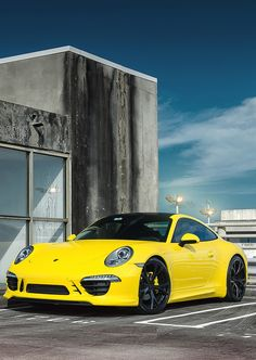 Porsche 911 - I don't do yellow but this looks cool!