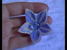 Brick Stitch Flower - (Not English - just watch w/o audio) ~ Seed Bead Tutorials
