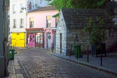 The quiet rue des Cascades in Belleville (Paris, 20th arrt). #Paris #SecretParis #Belleville