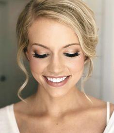 Bridal Makeup For Brown Eyes, Bridal Makeup Natural Blonde, Blonde Hair Makeup, Blue Eye Makeup, Dramatic Makeup, Bridesmaid Makeup Natural, Makeup Light, Bridal Makeup For Blondes, Natural Hair