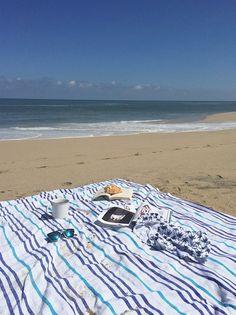 Tanning session on La Paz Las Bayadas beach towel Tropical Style d63c85e36