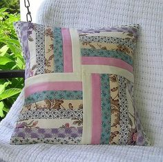 pillowcovers 006 14 Inch pillow cover made from Moda Hartfield fabric. Applique Cushions, Patchwork Cushion, Sewing Pillows, Quilted Pillow, Diy Pillows, Patchwork Quilting, Throw Pillows, Seminole Patchwork, Clothes Crafts
