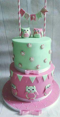 Super cute owl cake