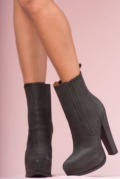 JEFFREY CAMPBELL - AVALOS: Leather upper and lining with a man-made sole. Rear zipper. 15 cm heel with a 5 cm platform.