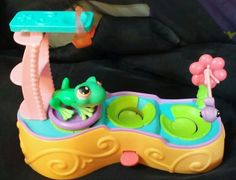 Littlest Pet Shop Leapin' Lagoon Playset Complete Green Frog LPS 236 Hasbro 2005 #Hasbro