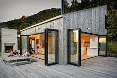 Galerie von Back Country House / LTD Architectural Design Studio - 2 - Baustil Architectural Design Studio, Architecture Design, Retreat House, Casas Containers, Future House, House Plans, Cottage, Tiny House, Award Winner