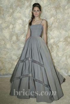 Tara la tour dress. I'd like a knee length or midi version to wear as bridesmaid dress or wedding guest