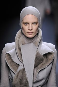 Fur-lined fabrics, soft tonal contrasts and sculptural drape; chic fashion details // Haider Ackermann