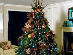 http://solidarityfellowship.info/wp-content/uploads/2014/08/christmas-tree-decorating-ideas-4.jpg