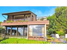 love love love this! Vacation Rental in Makawao - Romantic 2-Story Oceanview Cottage