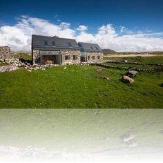 """Ierland - 2 mooie """"stone cottages """" - afgelegen maar prachtig bij zee- voor natuur en liefhebbers van rust- veel te ontdekken voor kids- huis voor 6/7 personen en huis voor 12 personen"""