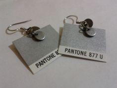 Pantone 877 U... I WANT!!!