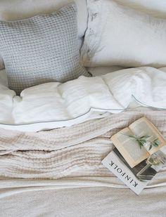 A simple summer bedroom refresh with Urbanara [AD] Nature Inspired Bedroom, Natural Bedroom, Summer Bedroom, Linen Duvet, Aesthetic Bedroom, Soft Blankets, Sustainable Design, Quartos
