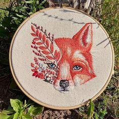 DM for credit/removal Describe this picture with one word 😍 By 📷: Diy Embroidery Flowers, Embroidery Flowers Pattern, Simple Embroidery, Hand Embroidery Stitches, Modern Embroidery, Embroidery Hoop Art, Crewel Embroidery, Hand Embroidery Designs, Cross Stitch Embroidery