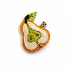 Clip your hair back with this chic pear hair clip. A perfect hair accessory for the windy days of Fall. One hair clip per order. Specify on which side of the head the hair clip will be worn. Enchanted Jewelry, Girls Clips, Fall Fruits, Metal Hair Clips, Red Apple, Autumn Inspiration, Hair Jewelry, Jewelry Trends, Wool Felt