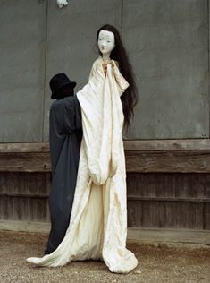 Puppet by Hoichi Okamoto  http://www.pinterest.com/dollzandthingz/puppets-and-marionettes-to-love/