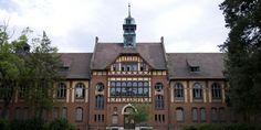 18 Haunting Photos Of An Abandoned Nazi Hospital