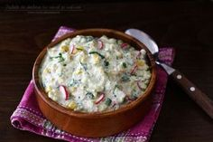 Zucchini and yogurt salad Cold Vegetable Salads, Good Food, Yummy Food, Delicious Recipes, Romanian Food, Sweet Tarts, Cheeseburger Chowder, Salad Recipes, Foodies