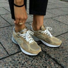 Style inspiration sporty minimal classic 18 ideas for 2019 Sock Shoes, Cute Shoes, Me Too Shoes, Fashion Shoes, Fashion Outfits, Womens Fashion, Easy Style, Jeans Boyfriend, Looks Style