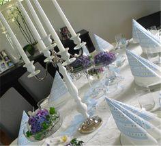 Her finner du tips og ideer til dåpsdagen. Wedding Inspiration, Birthday Parties, Baby Shower, Table Decorations, Tips, Baptism Ideas, Home Decor, Cinderella, Velvet