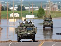 Alberta floods: Soldiers bring muscle, skills to stricken town - Bill Graveland, The Canadian Press Emergency Responder, Canadian Army, O Canada, Still Waiting, Armed Forces, Photography Photos, Calgary, No Worries, Abs
