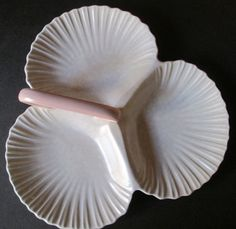 English Porcelain - Poole 3 Division Scallop Shaped Dish with Handle for sale in Pretoria / Tshwane Pretoria, Division, Handle, Pottery, English, Shapes, Dishes, Ceramica, Tablewares