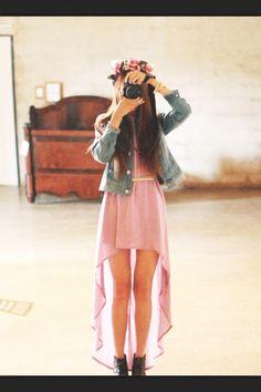 dress jacket gold belt heeled boots denim jacket mullet dress high-low dresses t. Vestidos Teen, Vestidos High Low, Cute Fashion, Teen Fashion, Fashion Outfits, Womens Fashion, Teenager Fashion, Jacket Dress, Dress Skirt