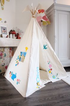 Moozle kids teepee tent MIDI size, personalized with a name and flower/bunny design. moozlehome.com - available in 2014! #moozle #moozlehome #kidsplayteepee #tipi #teepee #wigwam