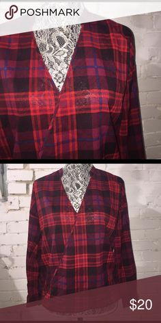 STITCH FIX Olive & Oak Plaid Blouse EUC. Puppy-loving smoke-free home. Sorry-no trades. All offers will be considered but please be respectful of the brand and the condition :) 20% discount if you bundle two or more items!  🛍 Happy Shopping! 🛍 Olive & Oak Tops Blouses