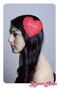 Cute idea for those who aren't into the sash thing -- can be worn as a pin or a hairpiece