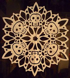 DIY Skull snow flake, by Crafty Lady Abby
