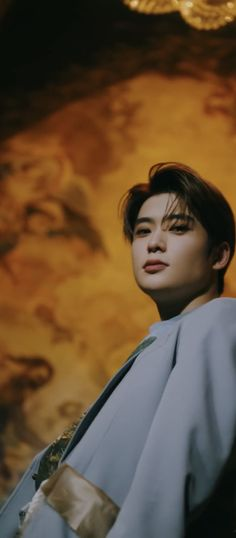 Jaehyun was serving us looks in that video 🤩🤪