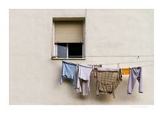 One window and hanging clothes / Una ventana y ropa tendida   www.vicentemendez.com