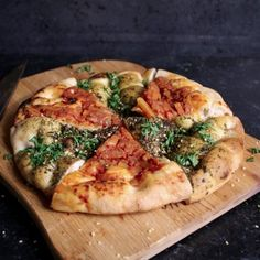 Pide – Filling Your Mind Vegan Recipes, Vegan Food, Allrecipes, Vegetable Pizza, Construction, Vegetables, Cooking, Plant Based, Drinks