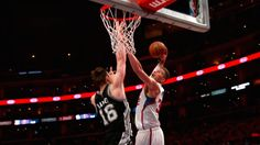 Blake Griffin Dunked All Over Baynes, Three Times